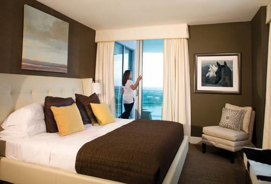 FORT-LAUDERDALE-TAO-bed