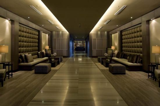 trump-ocean-club-panama-lobby